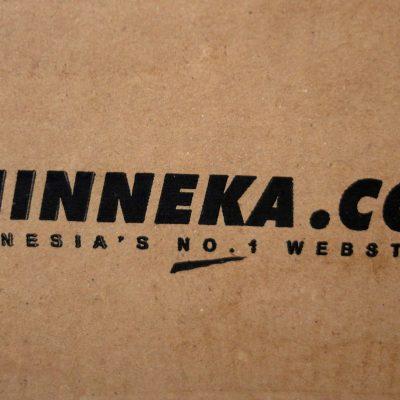 Kardus paket Bhinneka.com - logo